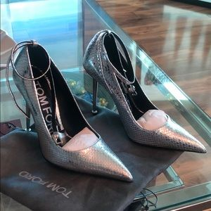 Tom Ford Pumps with steel heel
